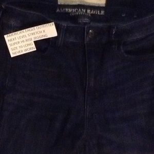 American Eagle Outfitter Dark Wash Jegging SZ 10L